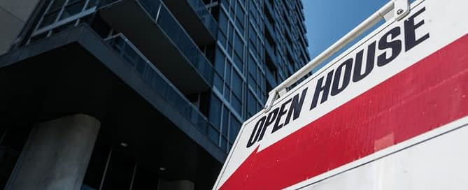 Open House sign depicting rising rate of Canadian home sales
